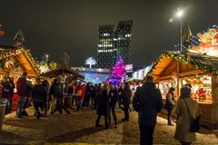 Mercato nel Kiez, Reeperbahn, Amburgo, Germania di Natale fotografie stock libere da diritti