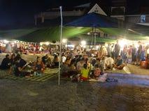 Mercato in Phnom Penh - capitale di notte della Cambogia Fotografia Stock