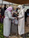 Mercato settimanale di martedì in Azrou, Marocco immagini stock