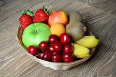 Merce nel carrello della frutta Fotografia Stock