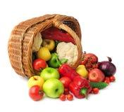 Merce nel carrello della verdura e della frutta Fotografie Stock