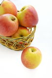 Merce nel carrello delle mele Immagini Stock