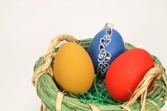 Merce nel carrello delle uova di Pasqua Fotografia Stock Libera da Diritti