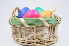 Merce nel carrello delle uova di Pasqua Fotografie Stock Libere da Diritti
