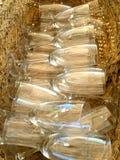 Merce nel carrello di vetro di Champagne fotografia stock