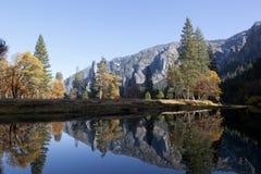 Merced flod, Yosemite Royaltyfri Foto