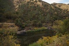Merced rzeka na ciepłym jesień dniu Obrazy Stock
