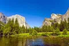 Merced rzeka przy Yosemite park narodowy Zdjęcie Royalty Free