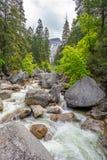 Merced rzeka w Yosemite park narodowy Zdjęcia Stock