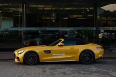 Mercedes-AMG GT en amarillo Imagen de archivo