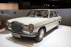 Free Mercedes-Benz 220 D Classic Car Royalty Free Stock Photography - 105871127