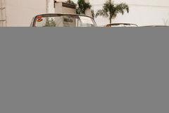 Mercedes-Benz 280SE cabriolet, tappningbilar Arkivbilder