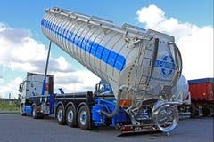 Mercedes-Benz Actros Silo Truck royalty-vrije stock afbeeldingen