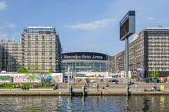 Mercedes-Benz Arena dalla baldoria del fiume a Berlino, Germania Fotografia Stock Libera da Diritti