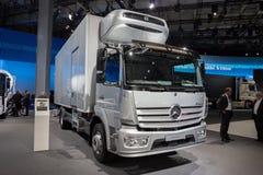 2017 Mercedes-Benz Atego 1630 l-vrachtwagen Royalty-vrije Stock Foto's