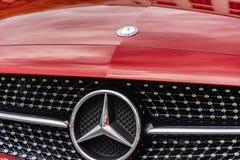 Mercedes-Benz-autoembleem stock afbeeldingen