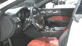 Mercedes-Benz CLS 63 AMG med LEDDE det MULTIBEAM för billyktor Arkivfoton