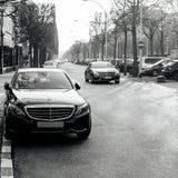 Mercedes-Benz di lusso con i piatti diplomatici a Strasburgo Fotografia Stock Libera da Diritti