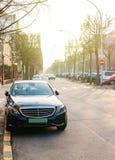 Mercedes-Benz di lusso con i piatti verdi diplomatici a Strasburgo Immagine Stock Libera da Diritti