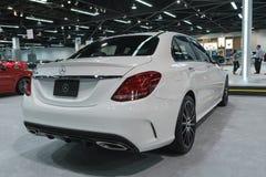Mercedes-Benz E300 sur l'affichage photos libres de droits
