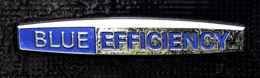 Mercedes Benz emblem av blå effektivitet royaltyfria bilder