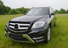 Mercedes Benz a estrenar GLK, SUV afuera Fotos de archivo libres de regalías
