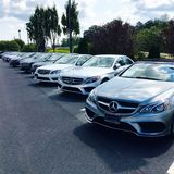 Mercedes Benz-handelaar Stock Afbeelding