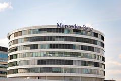 Mercedes-Benz ist ein Spitzenbürogebäude Stockfotografie