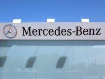 Mercedes Benz Logo Fotos de archivo libres de regalías