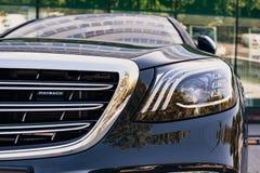 Mercedes-Benz Maybach kierownicy 2017 zakończenie 2018-05-29 Chisinau Moldova Z klasą błyszczący samochodowy frontowy zderzak Zdjęcie Stock
