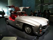 Mercedes-Benz Museum, carro clássico da porta de Germany_Scissors fotografia de stock royalty free