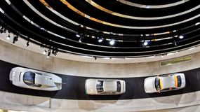 Mercedes Benz Museum Deutschland Stuttgard lizenzfreie stockfotografie
