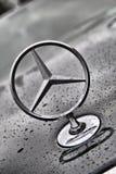 Mercedes Benz-Nahaufnahmelogo Stockbild