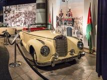 Mercedes-Benz Sc Roadster 1956 bij de tentoonstelling in de Koning Abdullah II automuseum in Amman, de hoofdstad van Jordanië royalty-vrije stock afbeelding