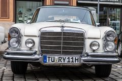 1970 Mercedes-Benz 280 SE oldtimer samochód Zdjęcia Stock