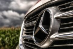 Mercedes Benz Silver Emblem Royalty Free Stock Images