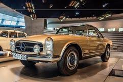 Mercedes-Benz 230 SL Zdjęcie Stock