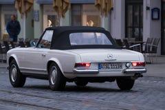 Mercedes-Benz 250 SL oldtimer samochód Obrazy Stock