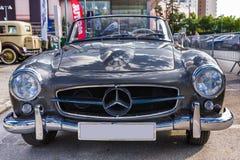Mercedes Benz 190SL roadster Fotografering för Bildbyråer