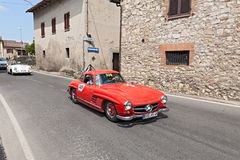 Mercedes-Benz 300 SL W 198 (1955) fonctionne en Mille Miglia 2014 Images stock