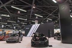 Mercedes-Benz-Stand auf Anzeige stockbild