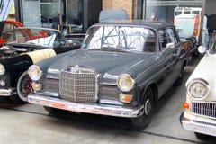 Mercedes-Benz W110 Fintail Images libres de droits