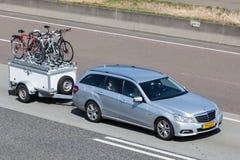 Mercedes Benz W212 herrgårdsvagn Arkivbild