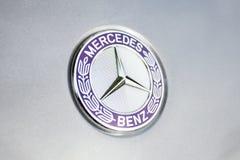 Mercedes-Benzembleem en kenteken Royalty-vrije Stock Afbeelding