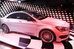 Mercedes bil i Paris Arkivfoto