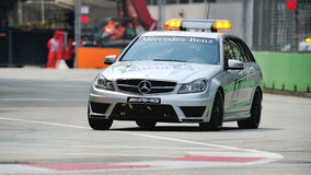 Mercedes C63 AMG medicinsk bil på GP för F1 Singapore Fotografering för Bildbyråer