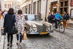 Mercedes classique sur le rassemblement des voitures de vintage à Cracovie, Pologne Images libres de droits