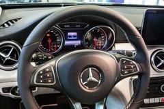 Mercedes GLA i bilvisningslokalen royaltyfria bilder