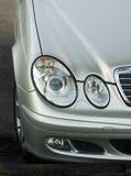 Mercedes-Scheinwerfer Stockfotos