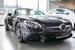 Mercedes SL63 AMG cabrio i bilvisningslokalen Royaltyfri Bild
